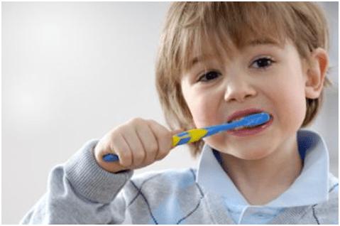 Pentingnya Perilaku Menyikat Gigi yang Benar