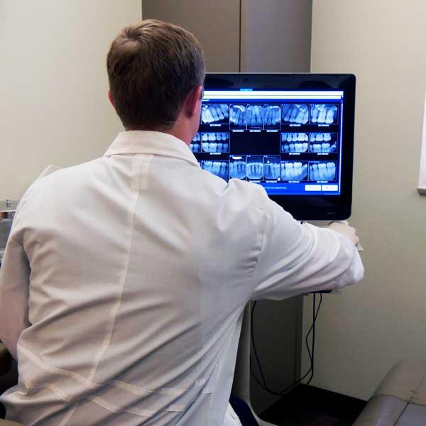 Dentist using Dental Imaging Integration