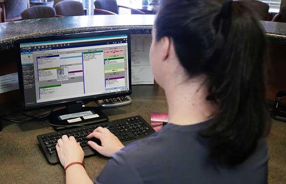 Front Desk using DentiMax Dental Software scheduler screen