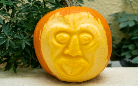 Pumpkin carved with smiley face