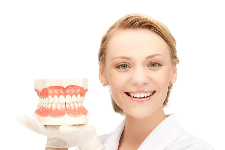 Female-Dentist-900-x-600.jpg?fit=900%2C600&ssl=1
