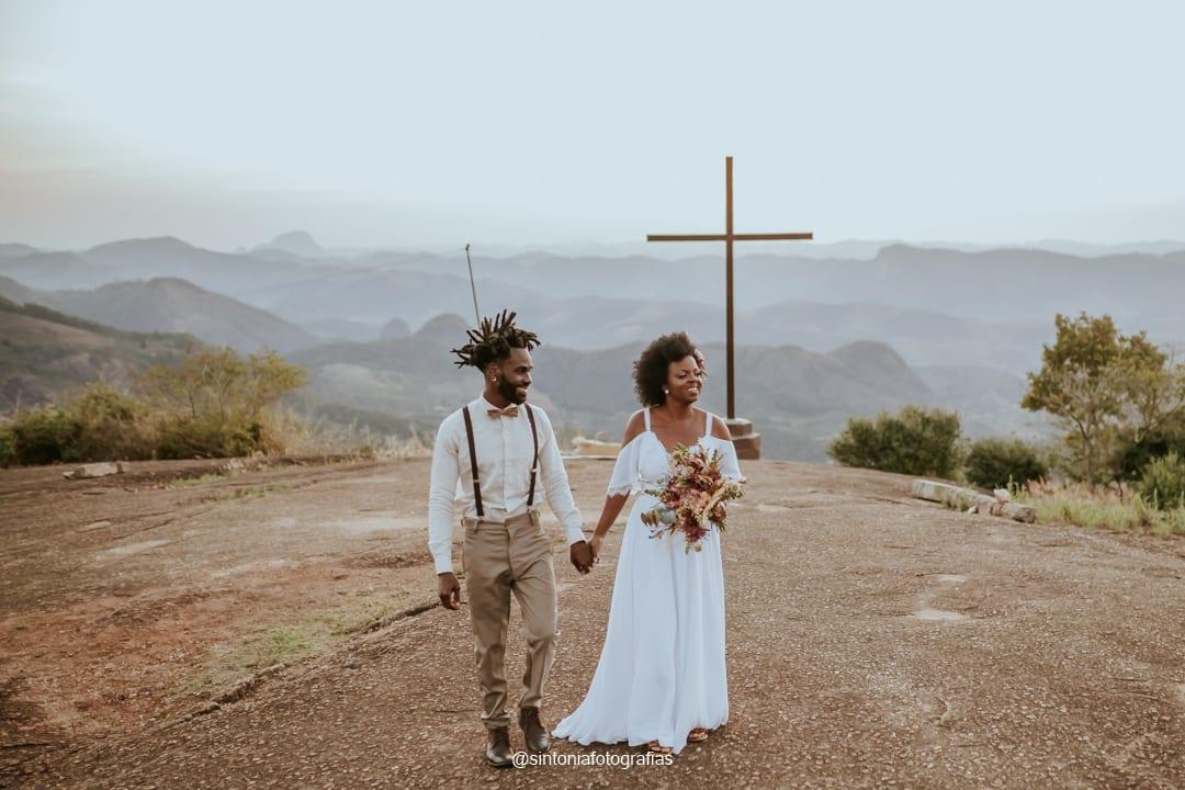saída dos noivos elopement wedding na montanha