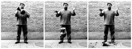Dropping a Han-Dynasty Urn, Ai Weiwei, 1995 © Ai Weiwei