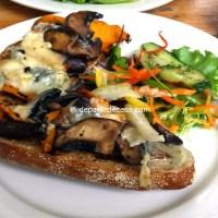 Sandvis cu ciuperci portobello, dovleac copt si gorgonzola