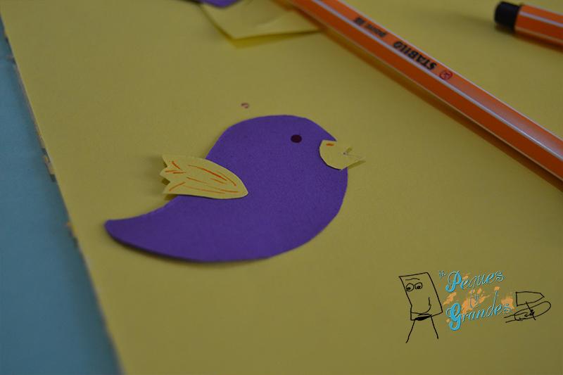 pájaro en cartulina