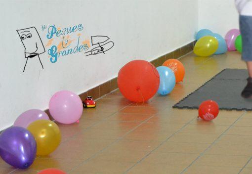 globos en el suelo con distintos tamaños
