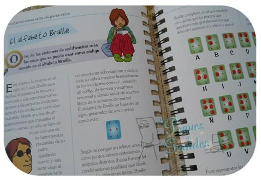 interior del libro, alfabeto braille