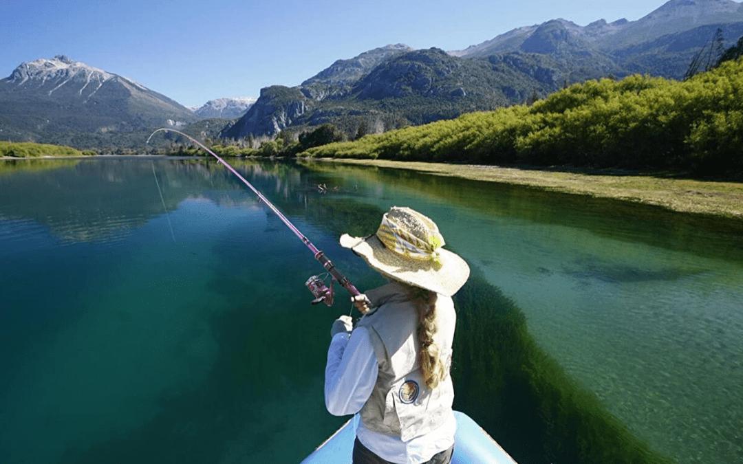 10 Accesorios de Pesca esenciales para mujeres