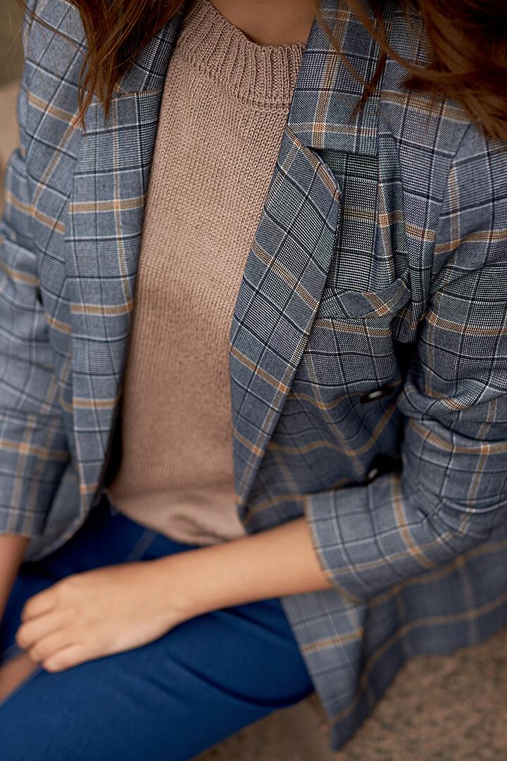 Классический двубортный пиджак с поясом DE palce