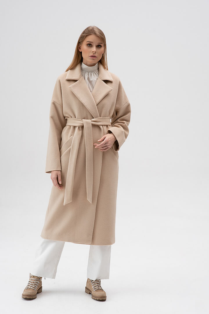 Пальто-халат молочное DEplace