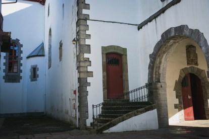 Trasera de la Iglesia de San Vicente (Hendaya)