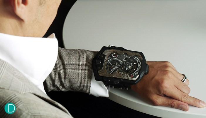 1001-case-wrist