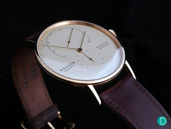 The Lambda features Nomos' own escapement system.