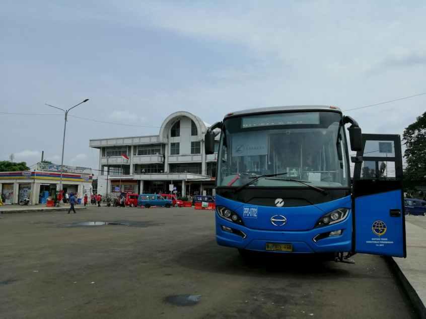 TransJakarta Rute D11 Terminal Depok - BKN