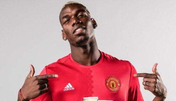 Bursa transfer pemain sepakbola kini semakin gila, harganya makin tinggi.