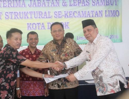 Wakil Walikota Depok Pradi Supriatna menyaksikan sertijab Camat Limo.