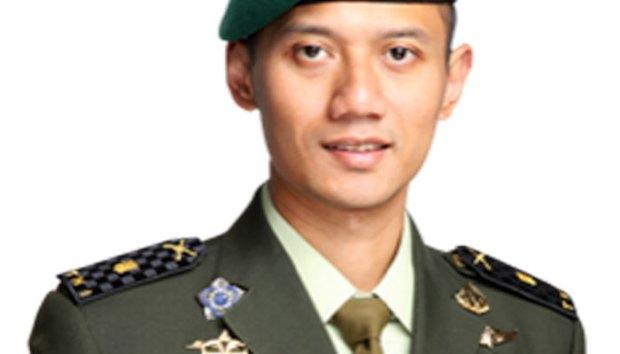 Mantan Presiden SBY mengusung anaknya jadi calon Gubernur DKI Jakarta.