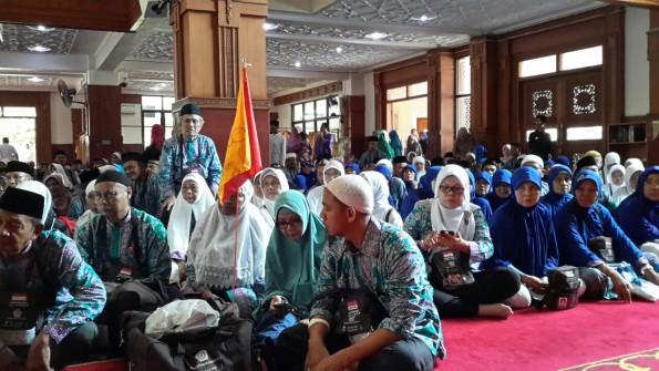 Jemaah haji asal Depok yang baru pulang diminta tetap memperhatikan kesehatan.
