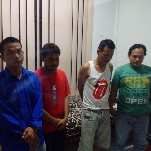 Empat orang ditangkap polisi saat pesta narkoba, 3 diantaranya PNS Kota Depok.