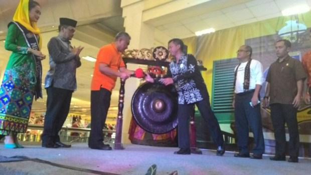 Walikota Depok Mohammad Idris membuka Depok Expo.