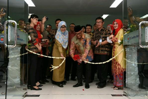 Walikota Depok meresmikan Pusat Layanan Jantung Terpadu di RS Medika.