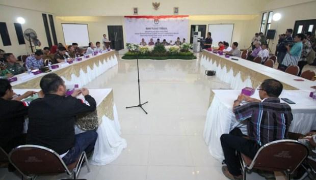 Rapat pleno KPU Kabupaten Bekasi.
