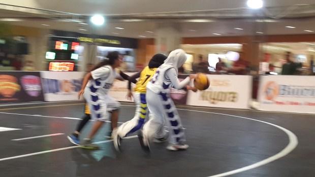 Pertandingan final turnamen basket 3 x 3 akan berlangsung Minggu sampai malam di Depok Mall.