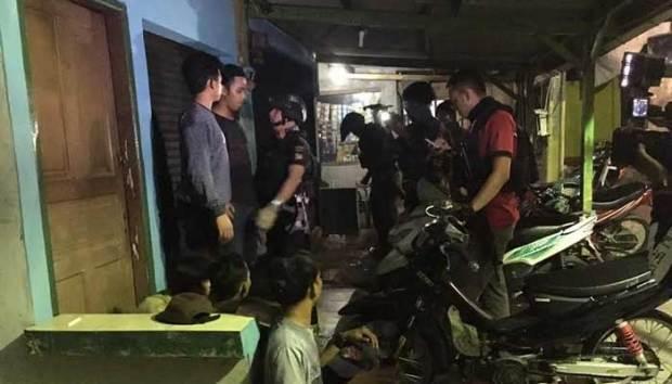 Tim Jaguar Polresta Depok mengamankan 10 remaja mabuk di Cilodong.