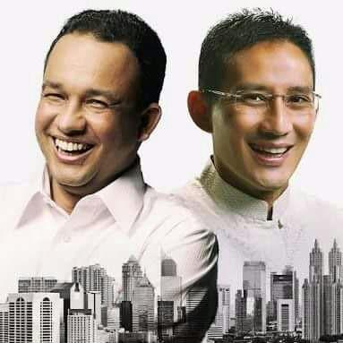 Gubernur dan Wakil Gubernur DKI Anies Baswedan dan Sandiaga Uno .