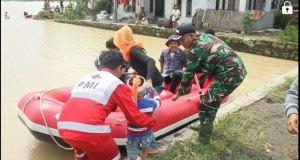 Enam kampung di Sukabumi diterjang banjir bandang.
