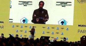 Presiden Jokowi ketika membuka Munaslub Partai Golkar.