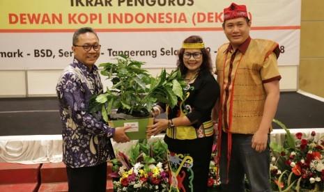 Ketua MPR Zulkifli Hasan dinobatkan jadi bapak pengembangan Kopi Indonesia