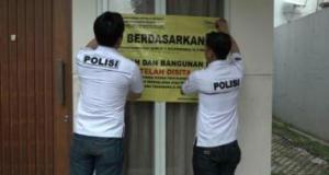 Polisi dari Polda Sulawesi Selatan menyita 3 aset milik bos Abu Tours di Cinere, Depok.