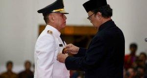 Mendagri melantik Pj Gubernur Jawa Barat, Komjen M.Iriawan Senin (18/6/2018).