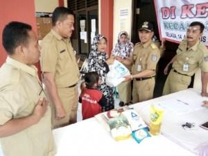 Dinas Perdagangan dan Perindustrian (Dagin) Kota Depok, menggelar pasar murah di 11 kelurahan menjelang Idul Adha.