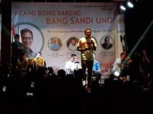 Sandiaga Uno berbicara soal ekonomi zaman now di Sawangan Depok yang digagas Hipmi Kota Depok.