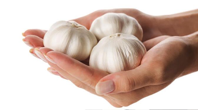 Hasil gambar untuk cara mengobati panu dengan bawang putih