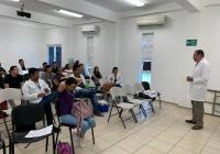 Entrega UdeC material preventivo a sus pasantes de Medicina