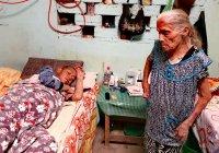 María Trinidad tiene 80 años, vive en Tecomán y necesita apoyo para su hijo enfermo