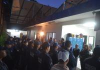 Por día del padre, Rafael Mendoza otorga bono a los agentes de seguridad pública del municipio