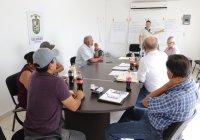 En reunión de trabajo a través de desarrollo rural se analiza la posibilidad de gestionar nuevos proyectos para apoyar a productores de bajos ingresos