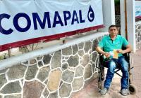 Apoya Salvador Bueno a Asociación de Discapacitados de Armería con el pago de agua