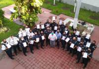 Entrega alcalde de Tecomán Elías Lozano, ascensos, a 28 elementos policiacos