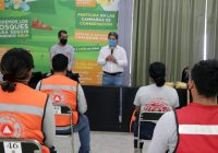 Alcalde de Tecomán entrega equipamiento donado por la IP, a elementos de Protección Civil