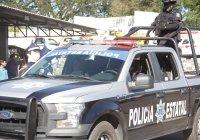 Policías estatales capturan a sujetos con droga