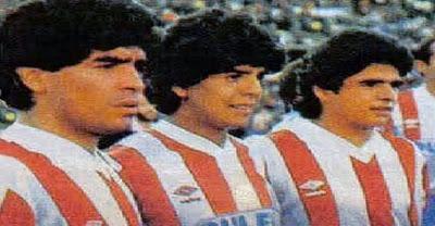 Los tres hermanos Maradona cumplieron un sueño al jugar juntos en un partido amistoso entre el Granada y el Malmoe sueco.