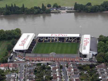 Pegado al Támesis, Craven Cottage es uno de los estadios más coquetos de Inglaterra.