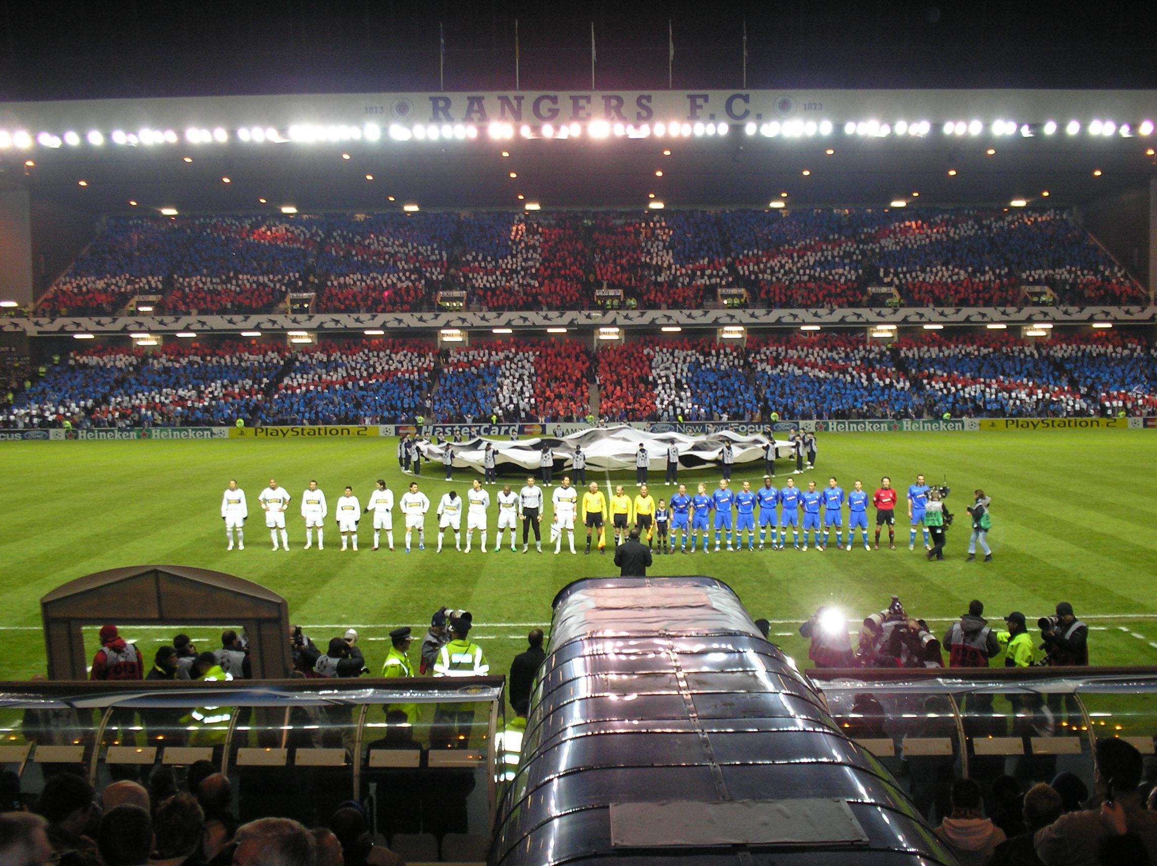 Ibrox espera volver a vivir noches mágicas como esta de la Liga de Campeones de 2005 ante el Inter de Milán.