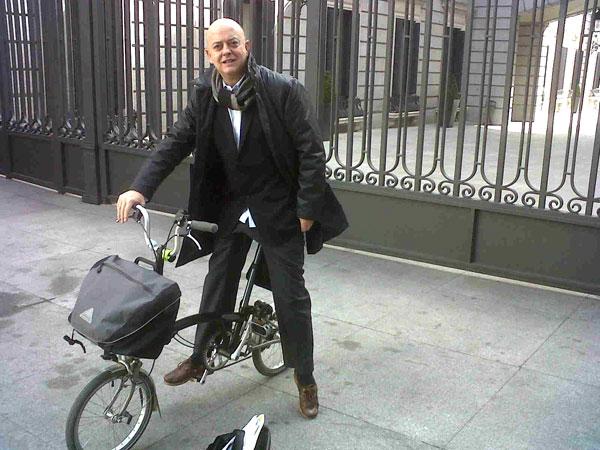 Odón Elorza es uno de los políticos españoles más comprometidos con el fomento de la bicicleta en las ciudades.