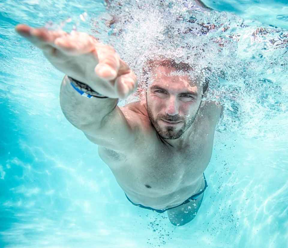 Es hora de combatir el insomnio con la natación